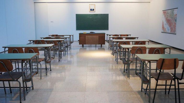 Duży wybór mebli szkolnych