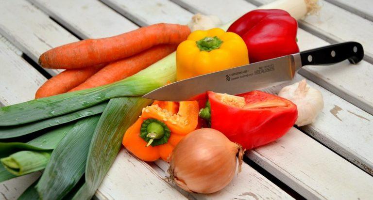 Co powinien zawierać zestaw noży kuchennych?