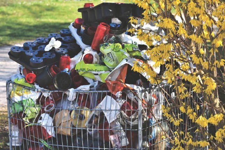 Nowoczesne pojemniki na odpady, jakie mają zalety?